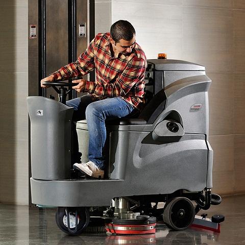 GM110BT85驾驶式洗地机
