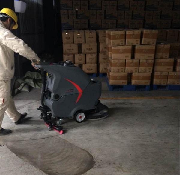 艾诗易手推自走式洗地机为仙桃中粮米业服务