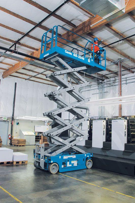 原裝進口吉尼剪叉式高壓作業平臺,Genie自行式剪型升降機,酒店高空作業機,工廠檢修高壓作業車