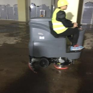 高美大型驾驶式洗地机入驻未来城