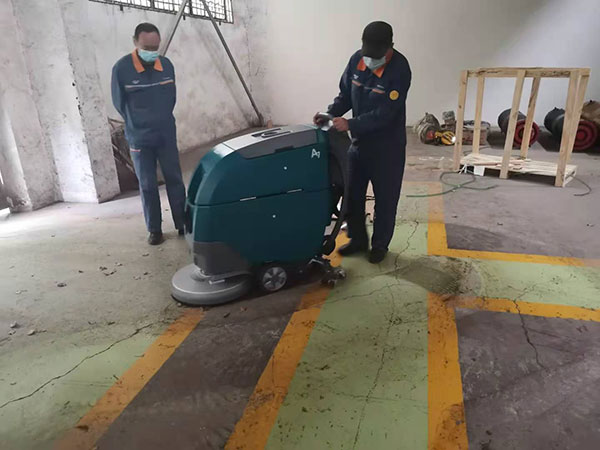 全自动洗地机,手推式电动洗地机,驾驶式拖地机,全自动擦地机,洗地吸干机,地面清洗机