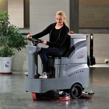 GM-MINI高美驾驶式洗地机