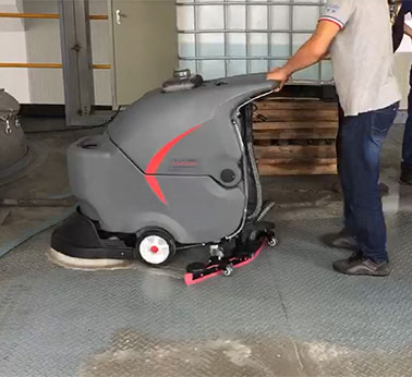 不锈钢防滑板地面使用全自动洗地机清洗的干净吗?