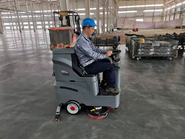 工厂车间驾驶式vwin ac的清洁案例和效果